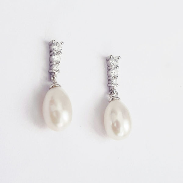 White Lustre Freshwater Drop Pearl Earring With Cubic Zirconia AAA Grade Pearl
