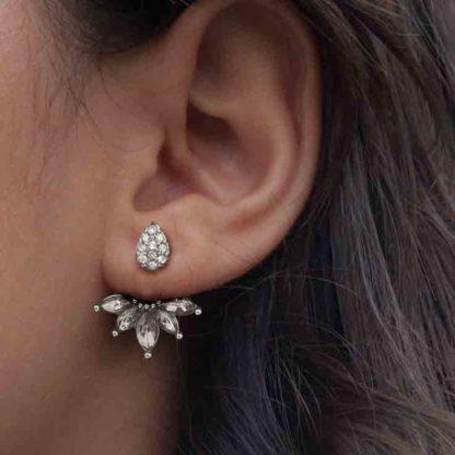 Black Flower stone Stud Earring thehouseofjd.com (1)
