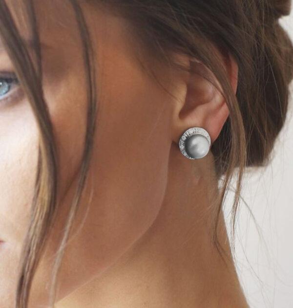 Elegant Silver Grey Button Pearl English Lock Earring AAA Grade pearl