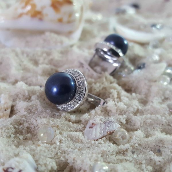 Exquisite Black Pearl Button Earring thehouseofjd.com
