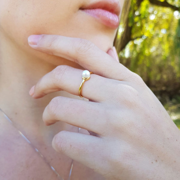 Adjustable Pearl Ring with delicate band in Gold